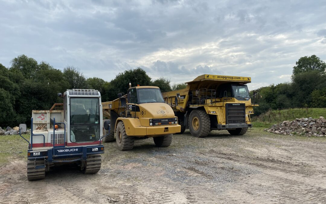 Rigid, Articulated, Wheeled and Tracked Dumptrucks!